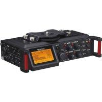 Портативный 4-дорожечный рекордер для видеокамер и DSLR TASCAM DR-70D